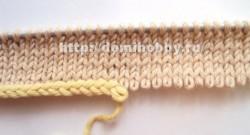 Набор петель косичкой на одну спицу с помощью крючка — пошаговый МК.