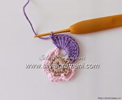 Многоцветный цветок крючком — пошаговый МК.