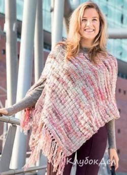 Пончо с бахромой связанное спицами для женщин, описание вязания