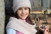 Снуд и шапка для девочки вязанные спицами, выкройка и описание